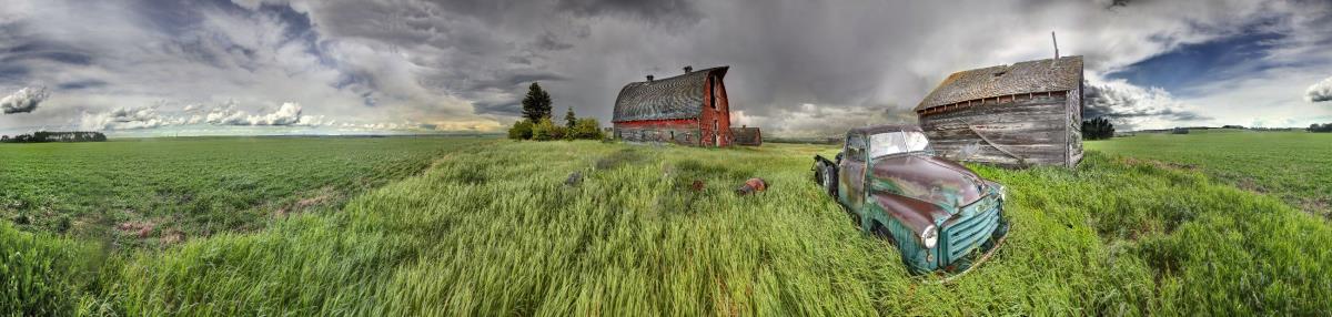 © Gordon Hiebert Following The Storm Photography